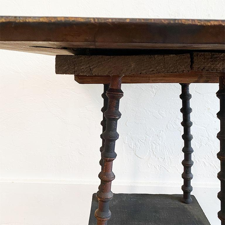 Antique Square Black Wood Tramp Art Spool or Spindle Side Table In Good Condition For Sale In Oklahoma City, OK