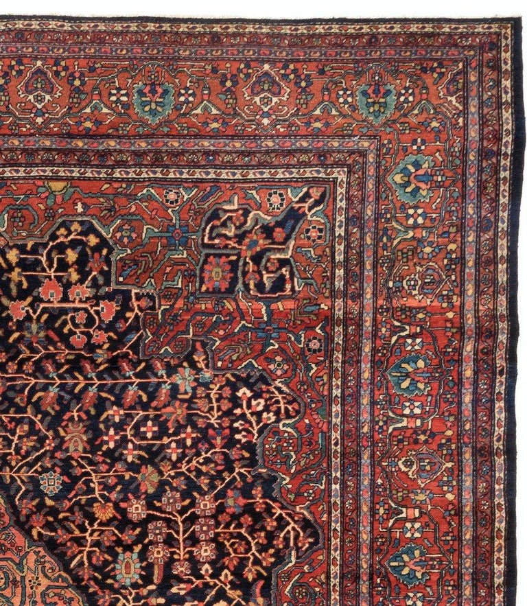 Sarouk rugs, the thickness of the luxurious pile allows Sarouk rugs to withstand the level of foot traffic that would be typical in hallways, common rooms and foyers. Antique carpets produced in Sarouk feature Classic curvilinear vinescrolls and
