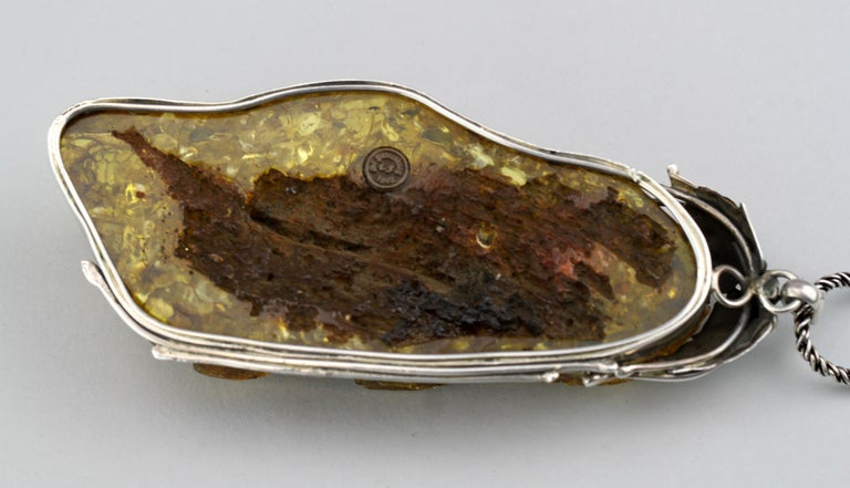 Antique Sterling Silver and Amber Carving Pendant Necklace, St. Petersburg, 1892 For Sale 5