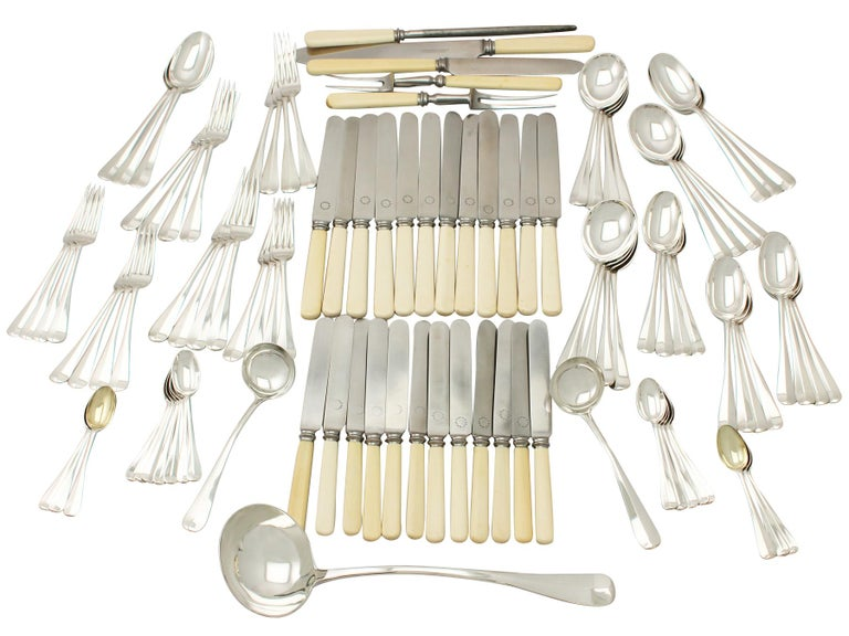 Antique Sterling Silver Canteen of Cutlery for Twelve Persons In Excellent Condition For Sale In Jesmond, Newcastle Upon Tyne