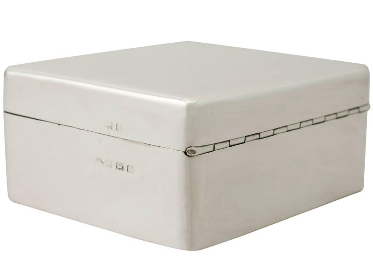 English 20th Century Antique Sterling Silver Jewelry Box 1930 For Sale