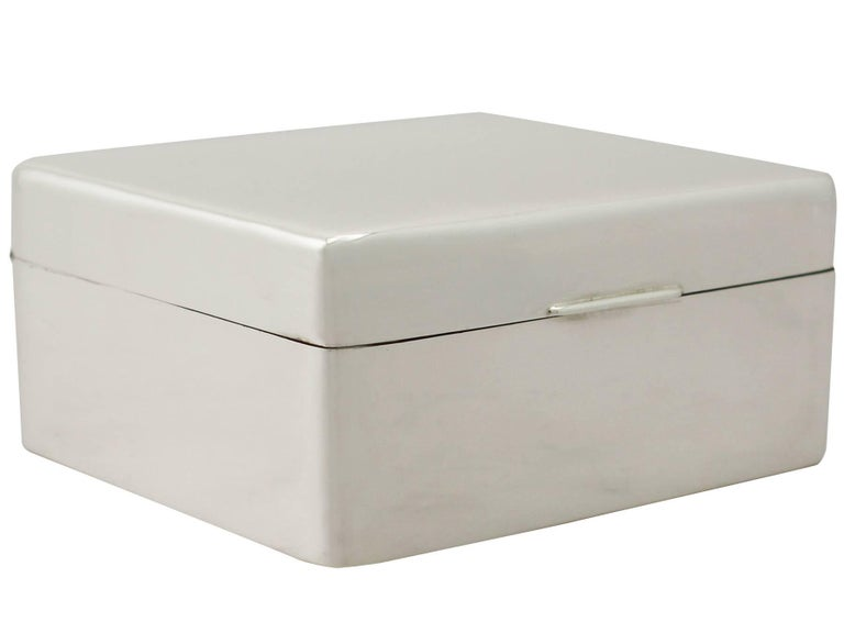 20th Century Antique Sterling Silver Jewelry Box 1930 In Excellent Condition For Sale In Jesmond, Newcastle Upon Tyne