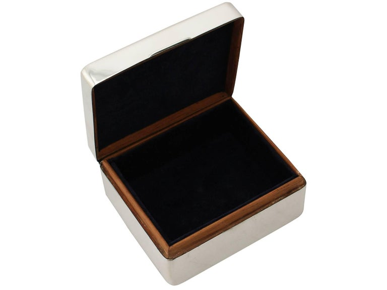 Mid-20th Century 20th Century Antique Sterling Silver Jewelry Box 1930 For Sale