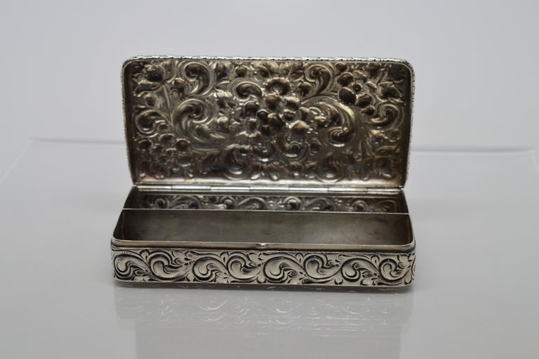 Antique Sterling Silver Snuff Box For Sale 5