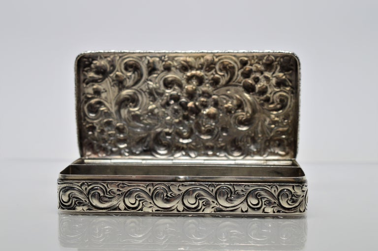 Antique Sterling Silver Snuff Box For Sale 2
