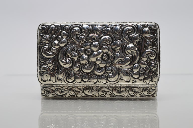 Antique Sterling Silver Snuff Box For Sale 3