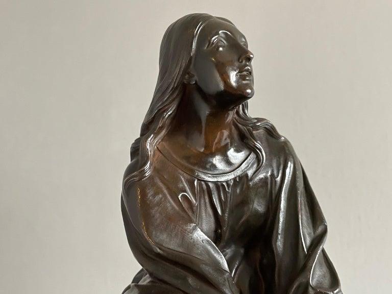 Antique & Stunning Bronze Kneeling Angel Sculpture Marked 1841 by T. Gechter For Sale 4
