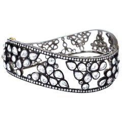 Antique Style 18 Karat Gold Sapphire Bangle Bracelet