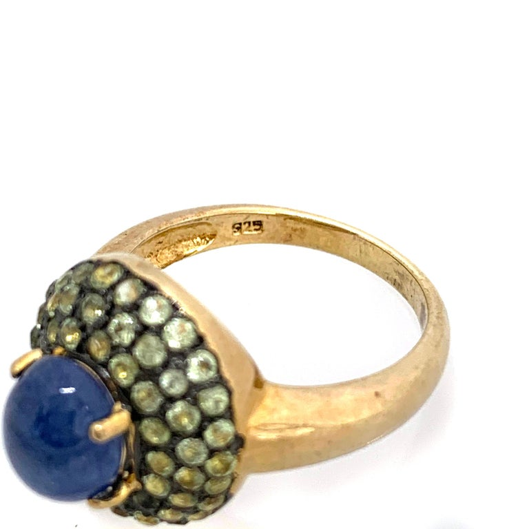 Oval Cut Antique-style Oval Sapphire and Peridot Bombe Cocktail Ring For Sale
