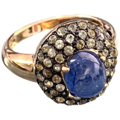Antique-style Oval Sapphire and Peridot Bombe Cocktail Ring