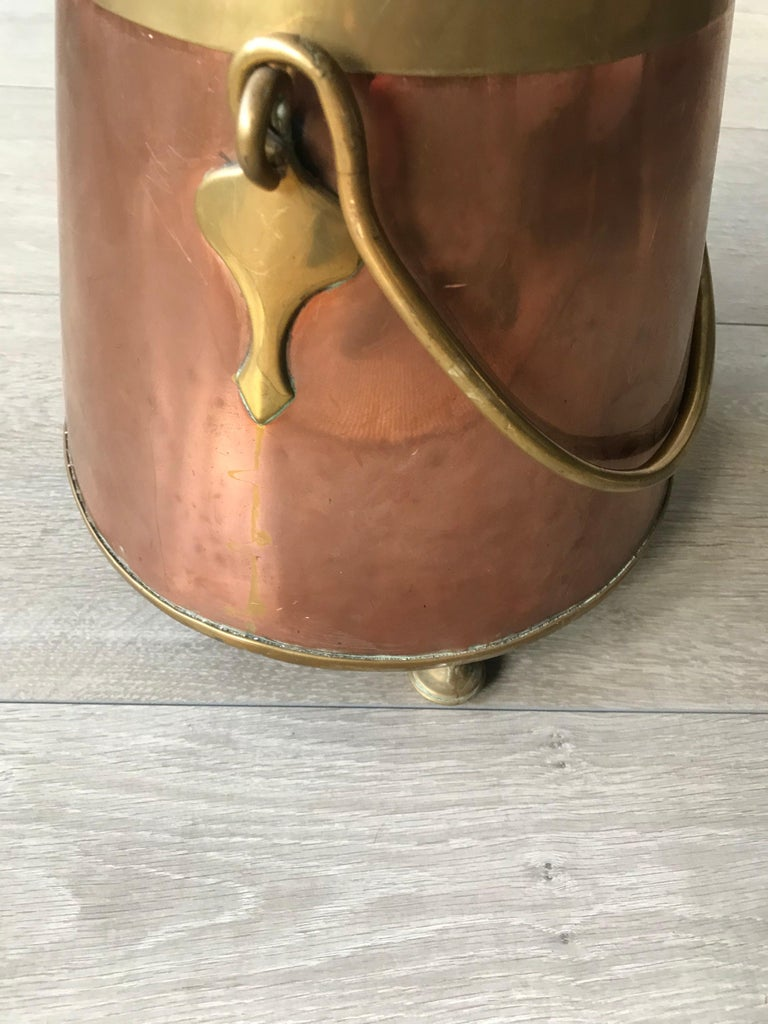 Polished Antique Stylish Copper and Brass Coal Kettle, Fire Extinguisher Fire Place Decor For Sale