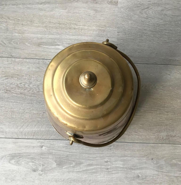 19th Century Antique Stylish Copper and Brass Coal Kettle, Fire Extinguisher Fire Place Decor For Sale