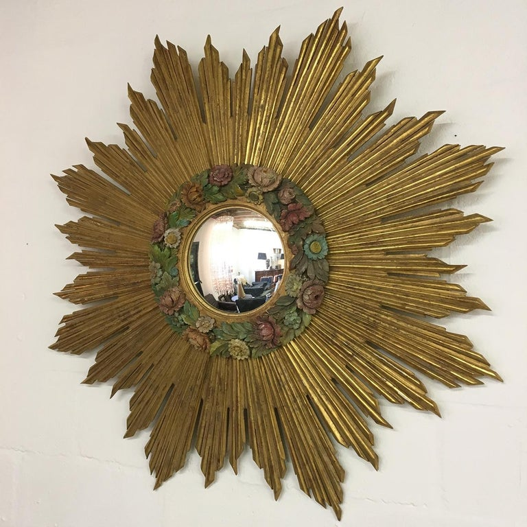 Hollywood Regency Antique Sunburst Starburst Giltwood French Convex Gilded Carved Barbola Mirror For Sale