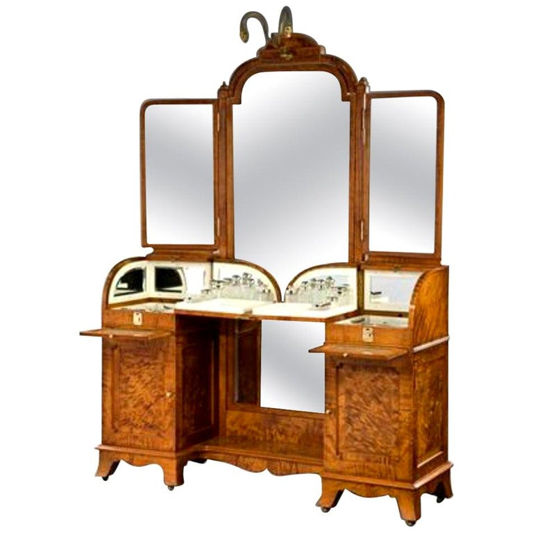 Antique Superb Exhibition Quality Silver Fitted Dressing Table For Sale