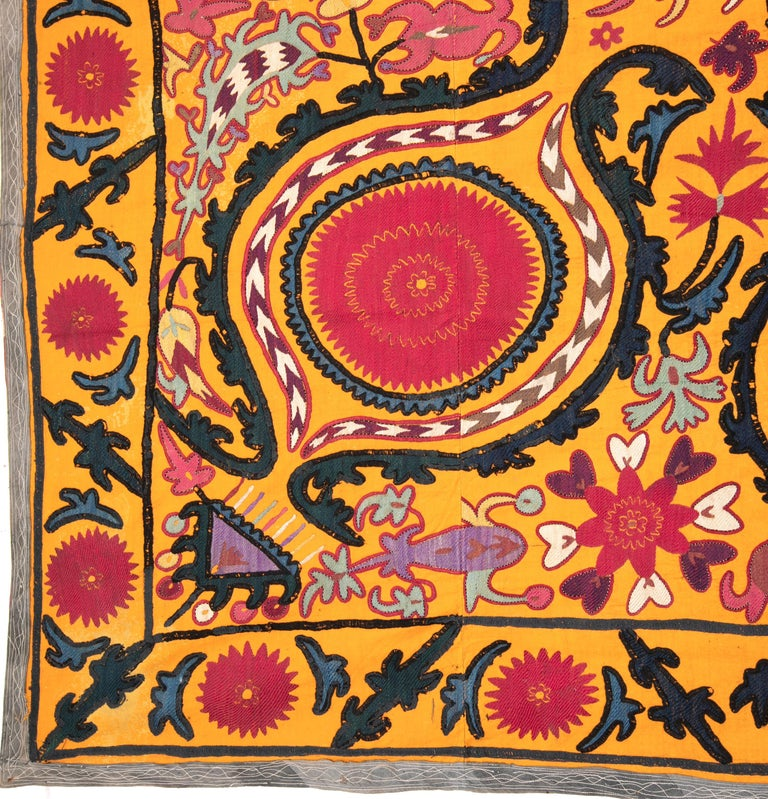 Embroidered Antique Suzani from Djizak, Uzbekistan, Central Asia, Late 19th C For Sale
