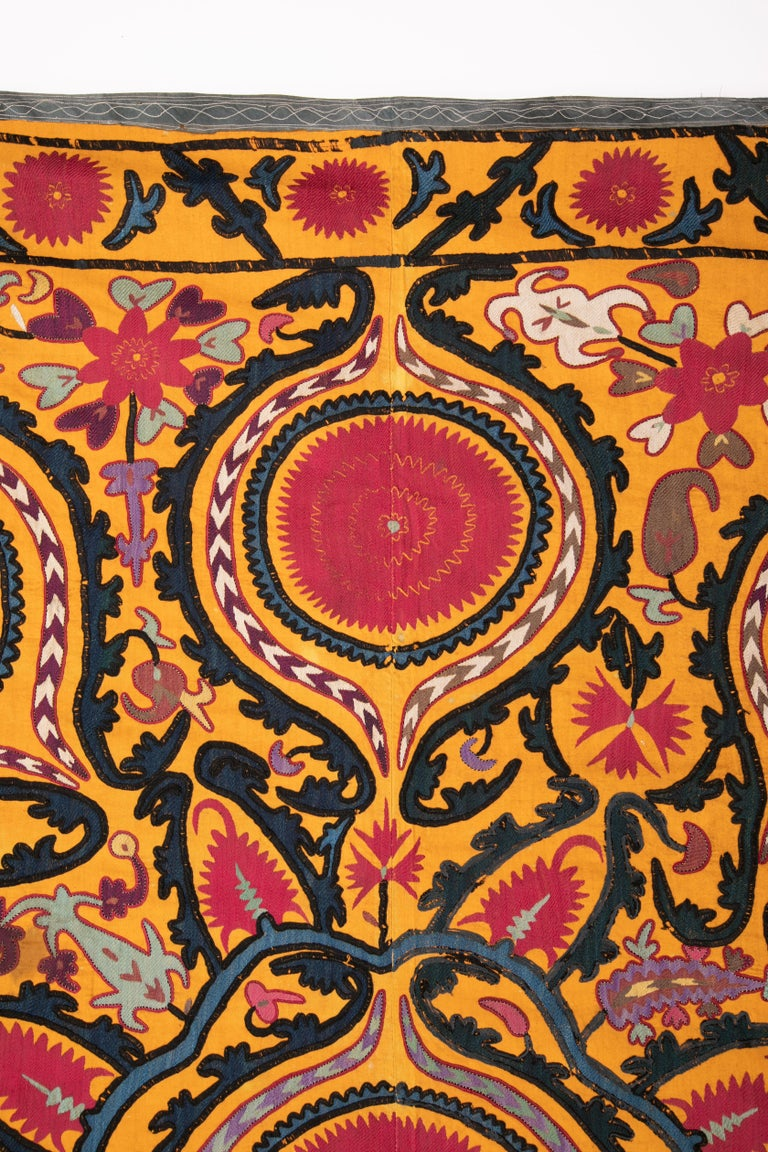 19th Century Antique Suzani from Djizak, Uzbekistan, Central Asia, Late 19th C For Sale
