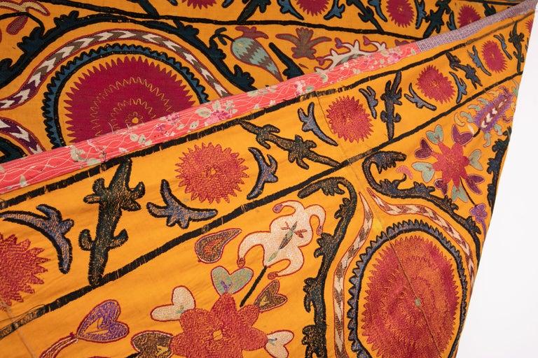 Antique Suzani from Djizak, Uzbekistan, Central Asia, Late 19th C For Sale 1