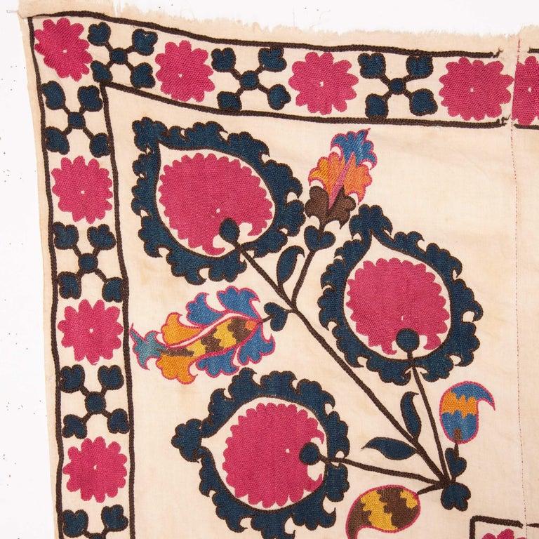 Antique Suzani from Tashkent Uzbekistan, 19th Century For Sale 1