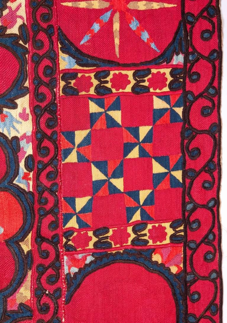 Antique Suzani from Uzbekistan, Central Asia 19th Century For Sale 1