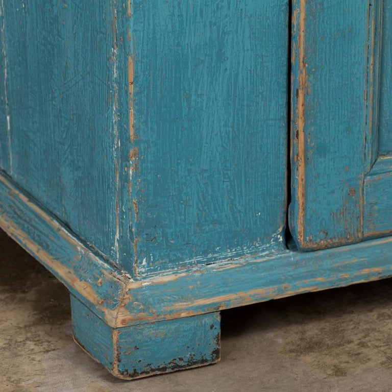 Antique Swedish Blue Cabinet/Cupboard with Original Paint For Sale 3