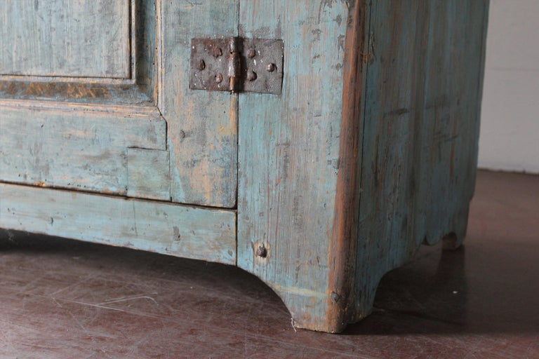 Antique Swedish Cupboard In Good Condition For Sale In Scottsdale, AZ