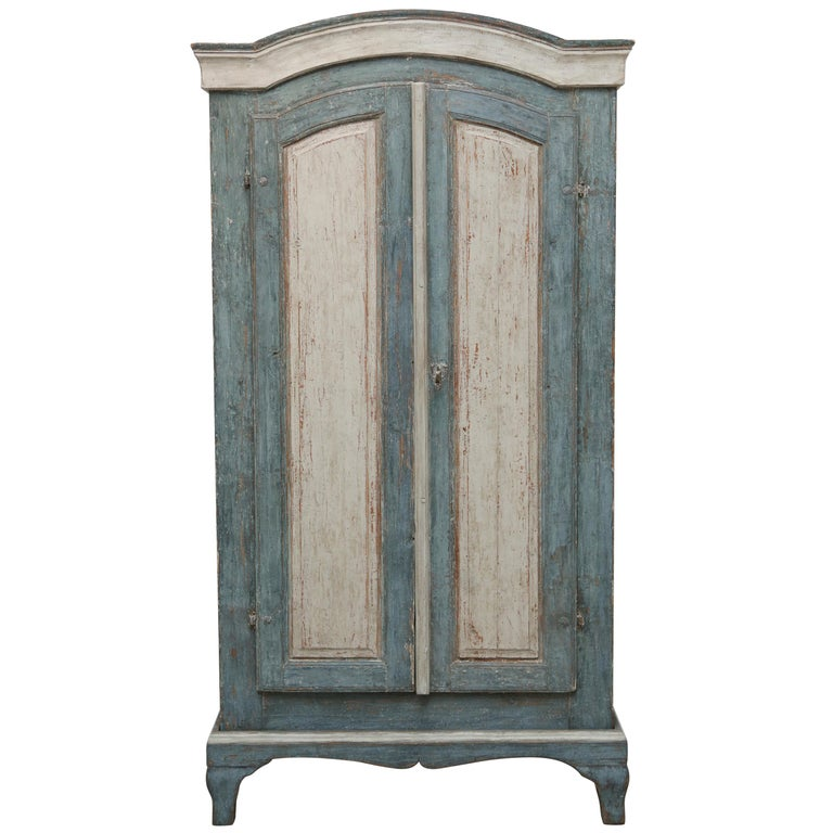 Antique Swedish Painted Baroque Armoire/ Cabinet, Late 18th Century For Sale - Antique Swedish Painted Baroque Armoire/ Cabinet, Late 18th Century