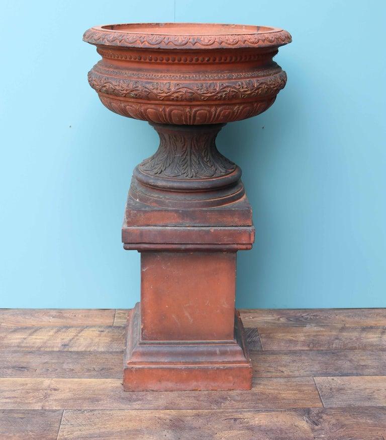 Antique Terracotta Garden Urn Centerpiece In Fair Condition For Sale In Wormelow, Herefordshire