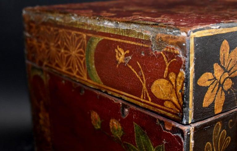 Antique Tibetan Foo Dog Box Hand Painted Box 6 For Sale 7