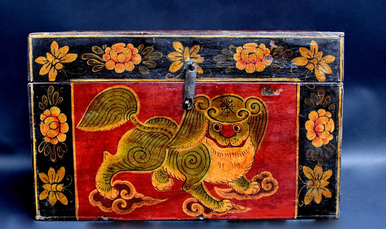 Hand-Painted Antique Tibetan Foo Dog Box Hand Painted Box 6 For Sale
