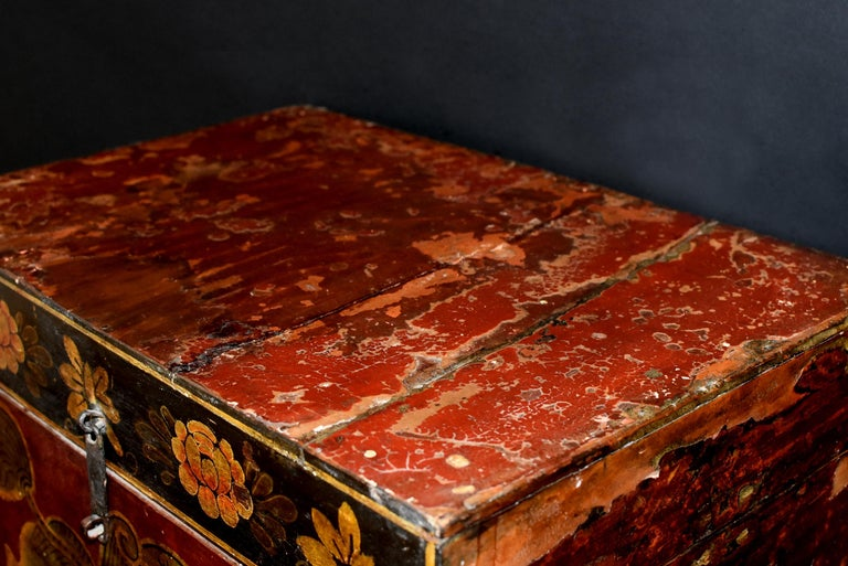 20th Century Antique Tibetan Foo Dog Box Hand Painted Box 6 For Sale