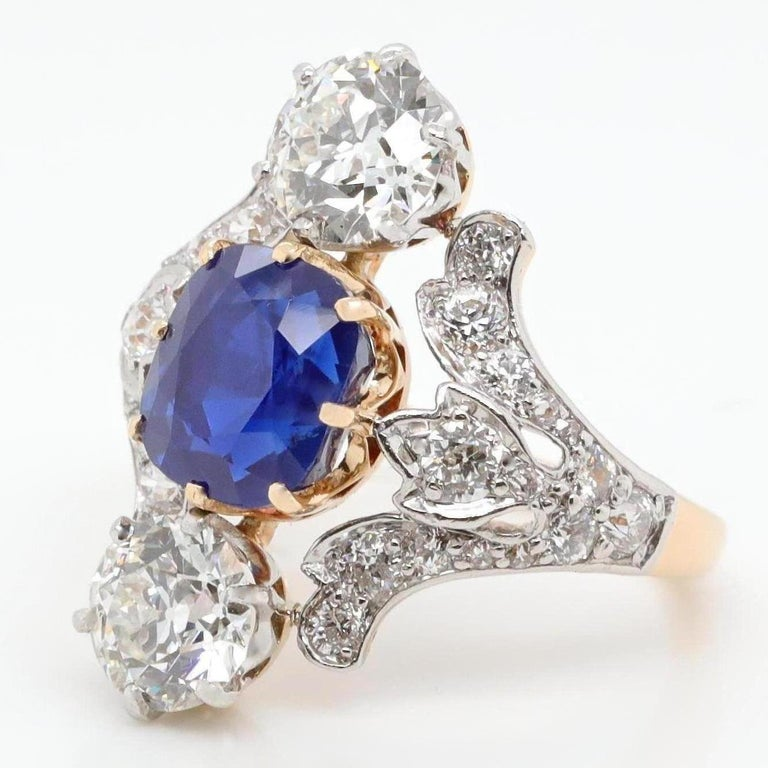 Antique Tiffany & Co. 4.33 Carat Kashmir Sapphire No Heat Diamond Gold Ring In Excellent Condition For Sale In Beverly Hills, CA