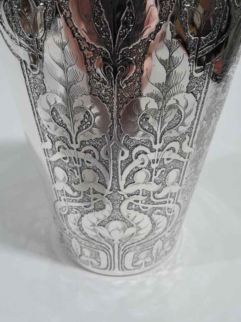 Antique Tiffany Edwardian Art Nouveau Cocktail Shaker with Hunt Scene For Sale 5