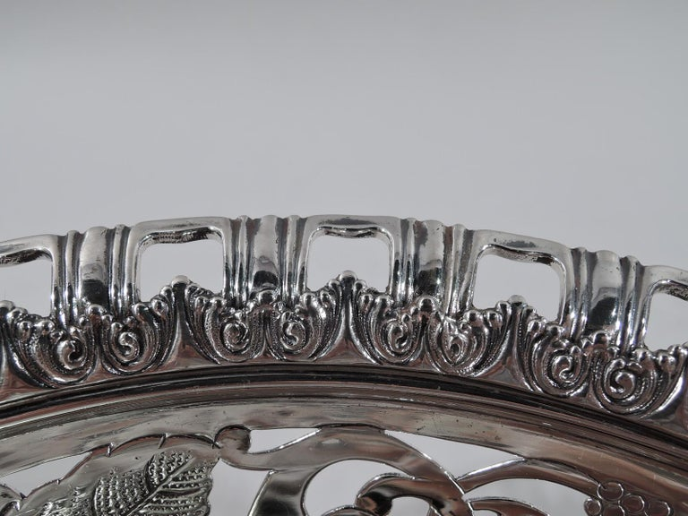 American Antique Tiffany Edwardian Sterling Silver Blackberry Bowl For Sale
