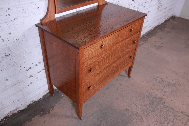 American Antique Tiger Oak Dresser with Swing Mirror, circa 1900 For Sale