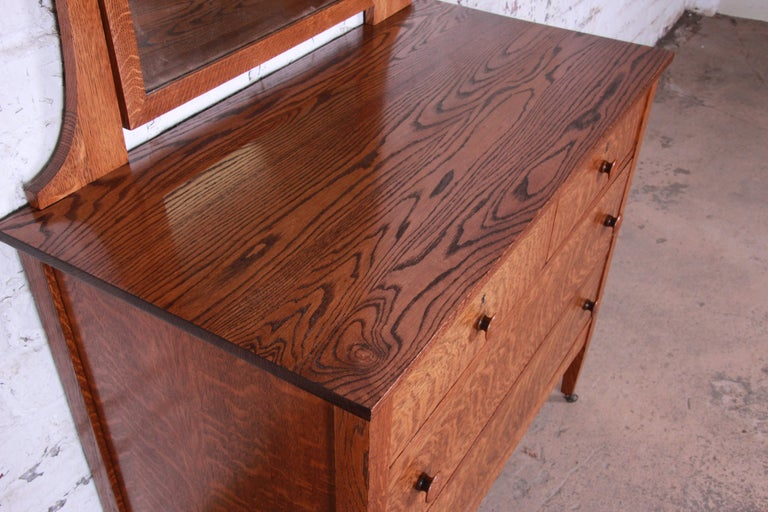 Antique Tiger Oak Dresser with Swing Mirror, circa 1900 In Good Condition For Sale In South Bend, IN