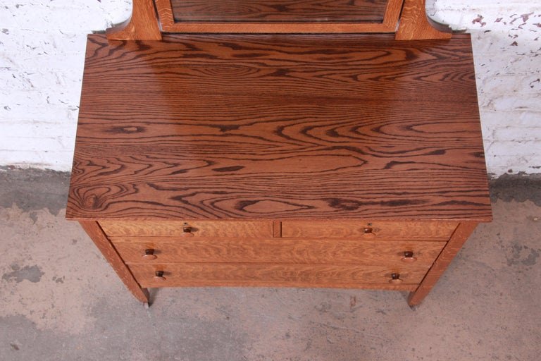 Antique Tiger Oak Dresser with Swing Mirror, circa 1900 For Sale 1