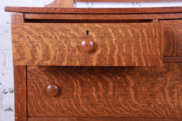 Antique Tiger Oak Dresser with Swing Mirror, circa 1900 For Sale 2