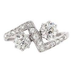 Antique Toi Et Moi Old Cut Diamond Crossover 18 Carat Gold Ring, circa 1920