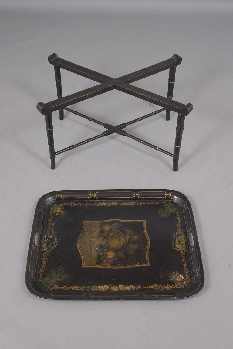 Antique Tole Tray Table In Good Condition For Sale In Los Angeles, CA