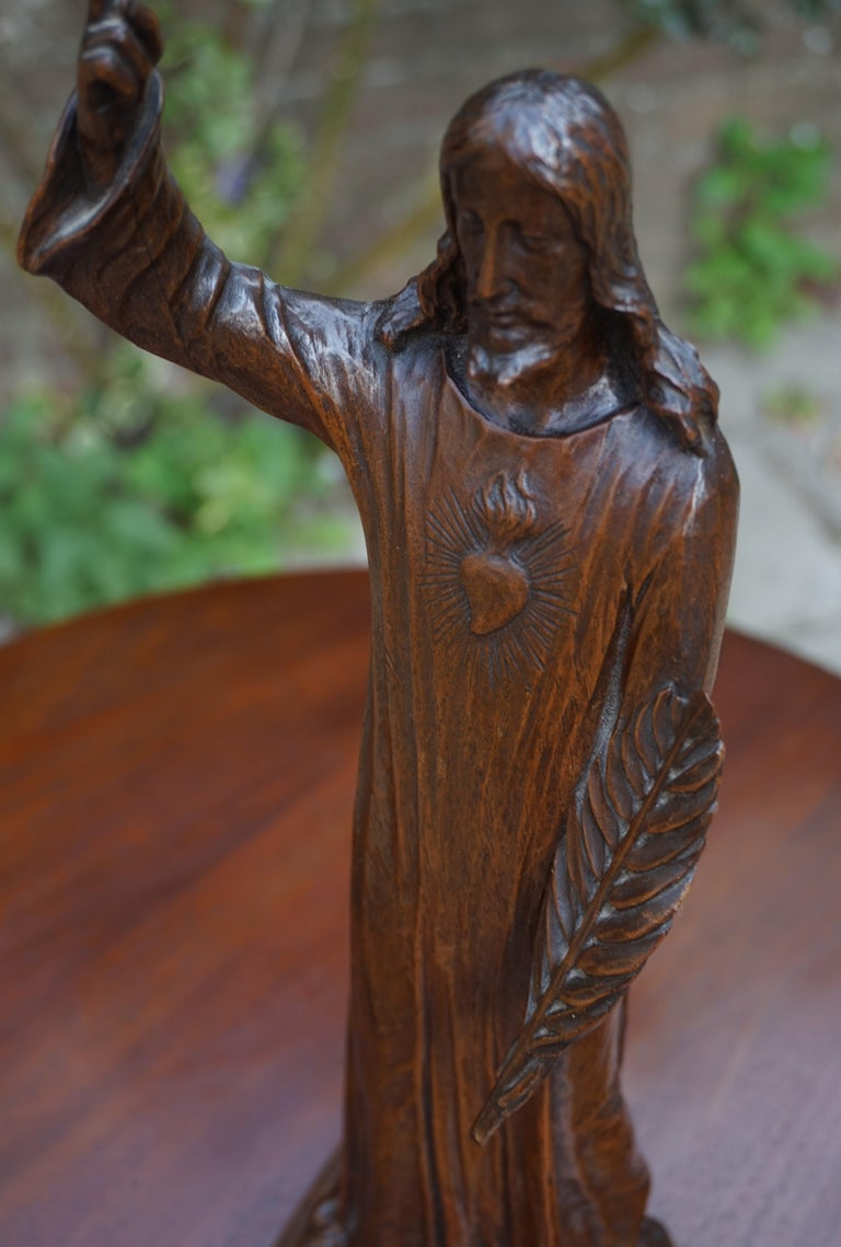 Antique Quality Carved Solid Nutwood Christ with Palm Leaf Sculpture / Statuette For Sale 3