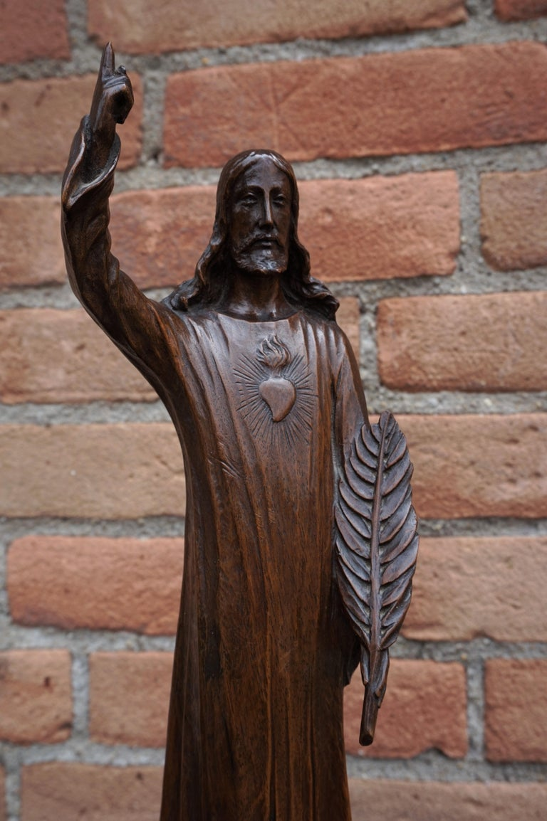 Antique Quality Carved Solid Nutwood Christ with Palm Leaf Sculpture / Statuette For Sale 11