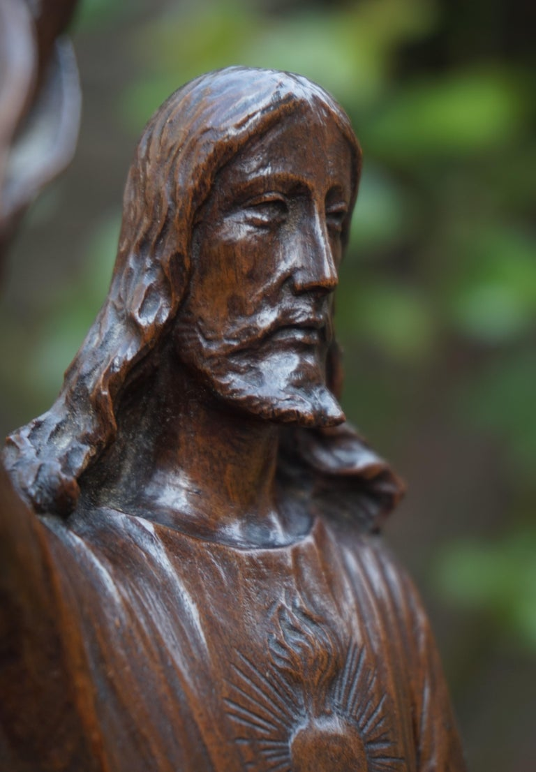 European Antique Quality Carved Solid Nutwood Christ with Palm Leaf Sculpture / Statuette For Sale