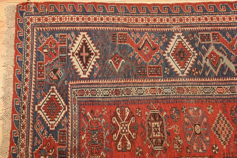 Antique Tribal Soumak Caucasian Rug. Size: 8 ft 3 in x 9 ft 7 in(2.51 m x 2.92 ) In Good Condition For Sale In New York, NY