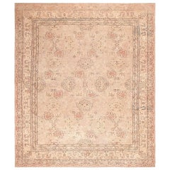 Antique Turkish Oushak Carpet. Size: 14 ft 8 in x 17 ft 3 in (4.47 m x 5.26 m)