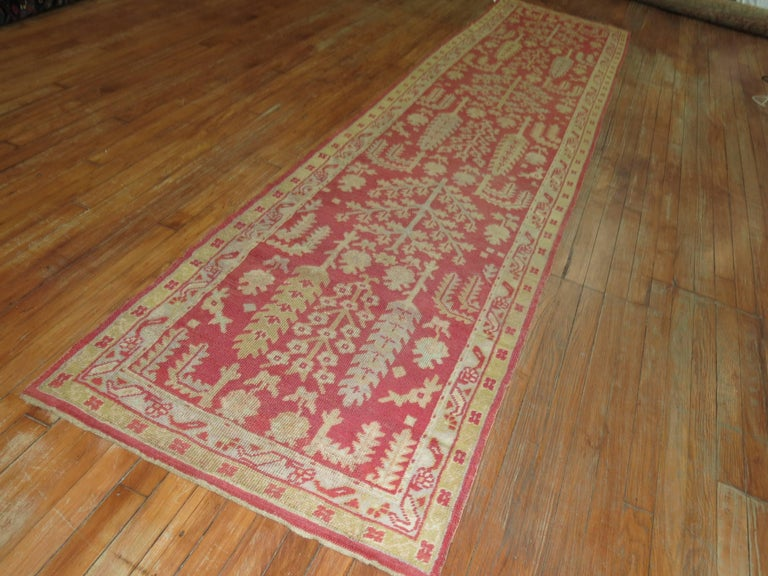 Antique Turkish Oushak Runner with Tree Design In Excellent Condition For Sale In New York, NY