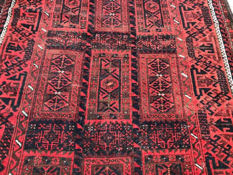 Antique Turkmen Belutch Afghan Rug In Fair Condition In Saint Ouen, FR