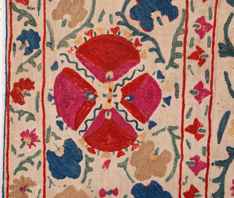 Antique Uzbek Bukhara Nim Suzani, 19th Century In Good Condition For Sale In Istanbul, TR