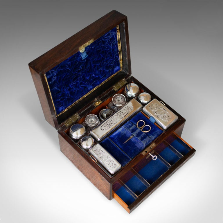 Antique Vanity Box, English, Victorian, Travelling Case, Rosewood, circa 1850 For Sale 2