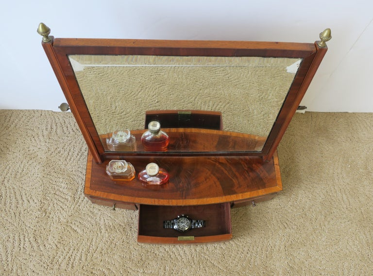 Antique Vanity Mirror with Drawers In Good Condition For Sale In New York, NY