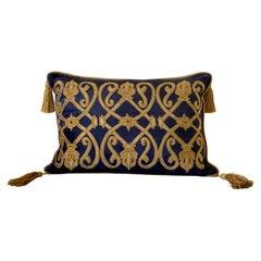 Antique Velvet with Velvet Applique Design, Polster Pillow